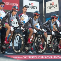 The Specialized-Lululemon team readies for the start of their team time trial