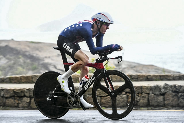 Brent Bookwalter suffered a crash in the men's TT but got back up and rode to 23rd