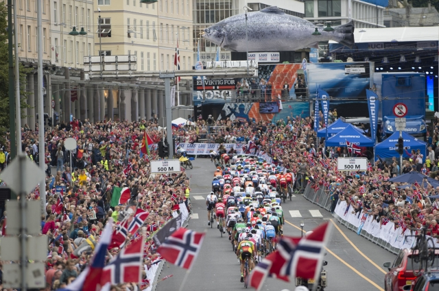 Huge Crowds Line Bergen Streets as Road Worlds Conclude