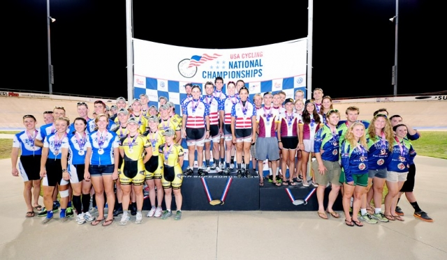MIT wins the Division II team omnium!